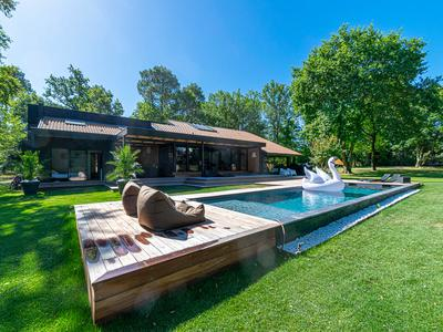 Modern house with pool and impressive grounds - Gradignan