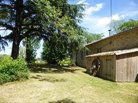 French property for sale in LAUZUN, Lot et Garonne - €239,680 - photo 3