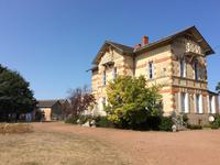 French property, houses and homes for sale inST MAURICE ETUSSONDeux_Sevres Poitou_Charentes