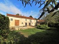 houses and homes for sale inBRANTOME EN PERIGORDDordogne Aquitaine