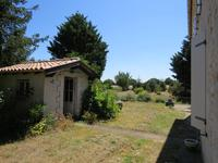 French property for sale in CHAMPDOLENT, Charente Maritime - €299,600 - photo 9