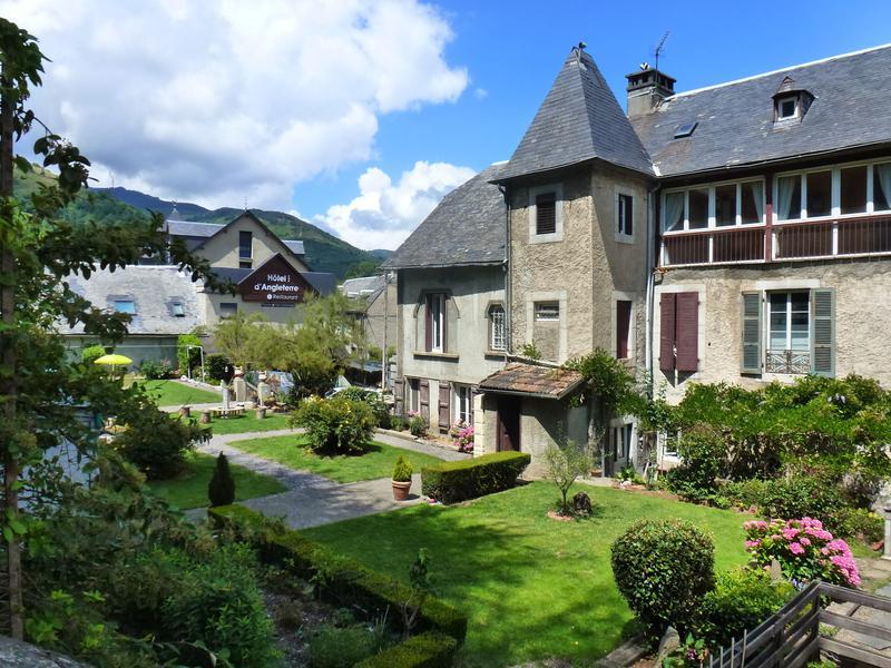 Maison A Vendre En Midi Pyrenees Hautes Pyrenees Arreau Un Joyau Cache Au Cœur D Un Village Charmant Situe Dans Les Montagnes Des Pyrenees Cette Spacieuse Maison Familiale De 5 Chambres Avec
