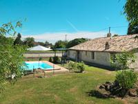 French property for sale in , Gironde - €270,300 - photo 1