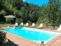 French property for sale in , Gironde - €270,300 - photo 4