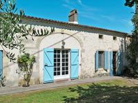 French property for sale in , Gironde - €270,300 - photo 2