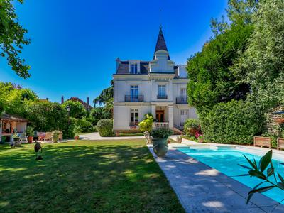 Luxury Bourgeoise House 260m² with 6 bedrooms, 3 bathrooms, separate 3 room caretaker's house and au pair studio, beautiful gardens and heated swimming pool for sale at SAINT LEU-LA-FORET (95320) – Val d'Oise