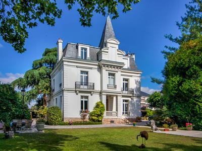 30' de Paris Gare du Nord - St Leu la Forêt (Val d'Oise) - Maison de caractère de 9 pièces + studio et maison 3P. Piscine. A 4' à pied de la gare