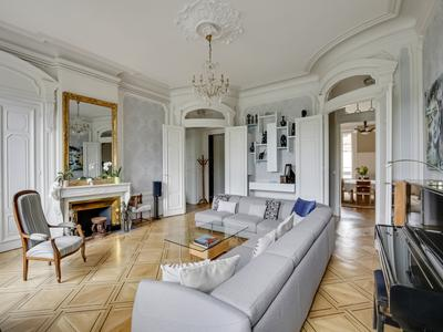Prestige Apartment on the Rhone in the center of Lyon