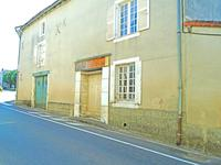 property to renovate for sale in MAUPREVOIRVienne Poitou_Charentes