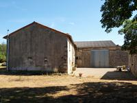 French property for sale in CHAMPAGNE LE SEC, Vienne - €162,000 - photo 2