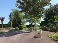 French property for sale in RAUZAN, Gironde - €424,000 - photo 2