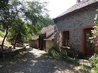 French property for sale in CHAMPS SUR TARENTAINE MARCHAL, Cantal - €371,000 - photo 4