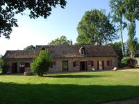houses and homes for sale inLA CHAPELLE ST REMYSarthe Pays_de_la_Loire