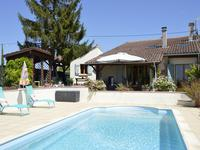 French property for sale in MONCLAR, Lot et Garonne - €267,500 - photo 2