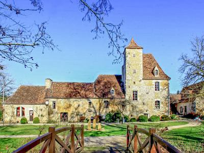 Close to the Dordogne: Luxury Gite and bed and breakfast to take over turnkey in a small and dynamic village. Ideal to start a new life with family !
