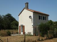 French property for sale in PIOUSSAY, Deux Sevres - €104,500 - photo 2