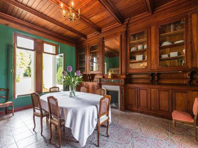 Elegant 18th Century CHATEAU in excellent condition set in an enclosed wooded park with beautiful period features and an independant apartment.