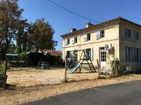 French property for sale in , Charente Maritime - €152,600 - photo 2