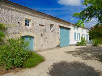 French property, houses and homes for sale inMONTILSCharente_Maritime Poitou_Charentes
