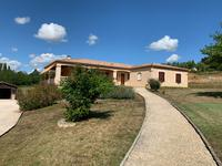 French property for sale in VILLENEUVE SUR LOT, Lot et Garonne - €260,000 - photo 2
