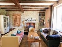 French property for sale in ST GEORGES DE LONGUEPIERRE, Charente Maritime - €267,500 - photo 4