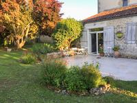 French property for sale in ST GEORGES DE LONGUEPIERRE, Charente Maritime - €267,500 - photo 3