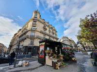 French property for sale in PARIS IX, Paris - €415,000 - photo 3