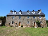 French property, houses and homes for sale inPLOUGASNOUFinistere Brittany