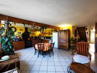 French property for sale in NIEUL LE VIROUIL, Charente Maritime - €203,040 - photo 2