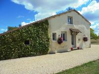 French property for sale in MONTMOREAU ST CYBARD, Charente - €346,500 - photo 4