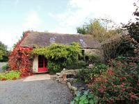 French property for sale in PLEYBER CHRIST, Finistere - €239,995 - photo 8