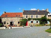 French property for sale in PLEYBER CHRIST, Finistere - €239,995 - photo 2