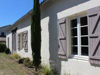 French property for sale in SAINT GIRONS D AIGUEVIVES, Gironde - €389,000 - photo 2