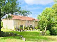 French property for sale in BOURDEILLES, Dordogne - €699,600 - photo 2