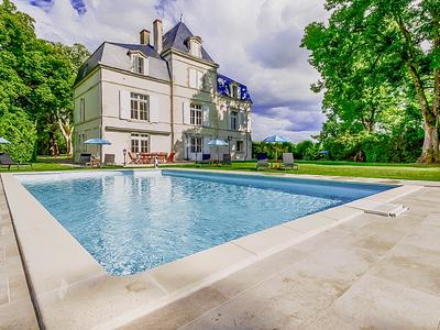 This sumptuous Château was entirely renovated in 2018 keeping all the authentic elements which give it its charm - a real labour of love.