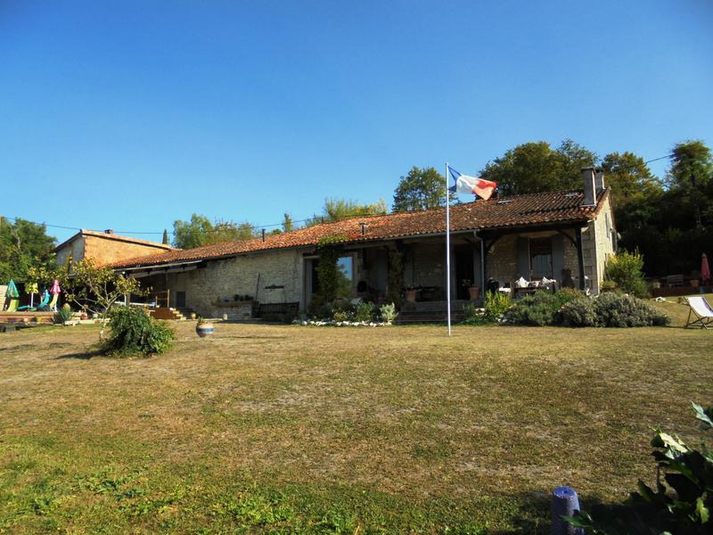 Maison à vendre à ST LAURENT DES COMBES(16480) - Charente