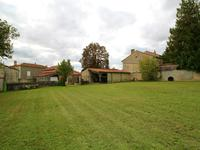 French property for sale in VILLIERS COUTURE, Charente Maritime - €39,900 - photo 7