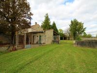 French property for sale in VILLIERS COUTURE, Charente Maritime - €39,900 - photo 2