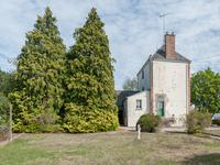 French property for sale in AMBRIERES LES VALLEES, Mayenne - €77,000 - photo 2