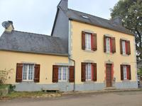 houses and homes for sale inLOCMARIA BERRIENFinistere Brittany