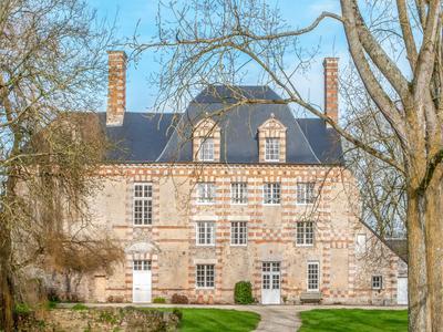 chateauin LA FOLIE