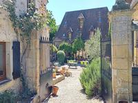French property for sale in VEYRINES DE DOMME, Dordogne - €395,000 - photo 3