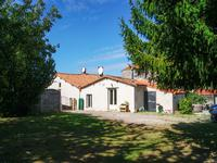French property for sale in VERNOUX EN GATINE, Deux Sevres - €281,650 - photo 2