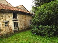 French property for sale in MAUPREVOIR, Vienne - €56,600 - photo 2