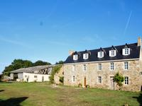 French property for sale in PLOUGASNOU, Finistere - €295,320 - photo 8