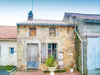 French property for sale in SCILLE, Deux Sevres - €41,600 - photo 5