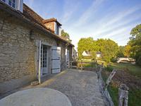 French property for sale in CUBJAC AUVEZERE VAL D ANS, Dordogne - €130,800 - photo 3