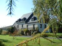 French property for sale in CHARCHIGNE, Mayenne - €299,600 - photo 2