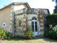 French property for sale in SALLES LAVALETTE, Charente - €662,500 - photo 4