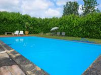 French property for sale in NEUFFONS, Gironde - €381,600 - photo 2